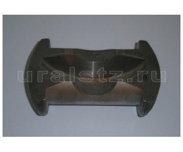 На изображении - деталь 5557-2303074  Кулак шарнира передней полуоси (завод)