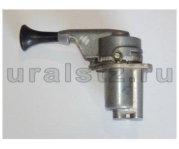 На изображении - деталь 100-3537010  Кран тормозной обратного действия(стояночный) с сб. (завод)