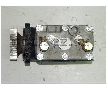 На изображении - деталь 536.3509010  Компрессор воздушный двухцилиндровый