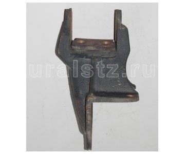 фото: 4320-2902443  Кронштейн передней рессоры левый, (завод)