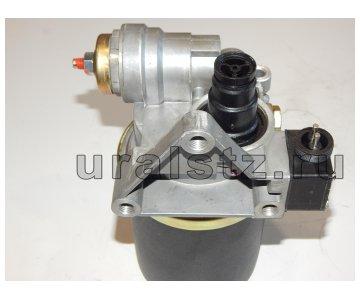 На изображении - деталь 64221-3512010-20  Регулятор давления с адсорбером МАЗ, Камаз с шумоглушителем БЕЛОМО (24В),
