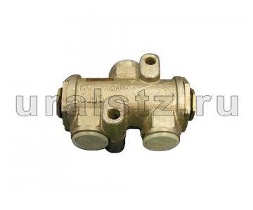 На изображении - деталь 100-3515110  Клапан защитный двойной