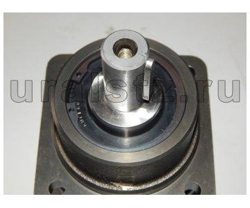 На изображении - деталь QHD-28B  Гидромотор-T1V5