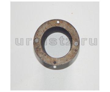На изображении - деталь 375-2304088  Втулка цапфы поворотного кулака, (завод)